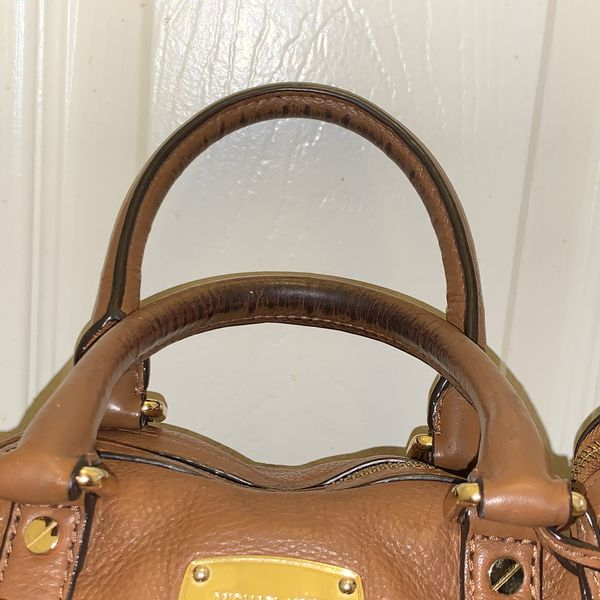 Michael kors leather purse