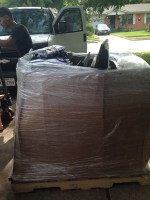 4 Palet tv only for parts for Sale in Irving, TX