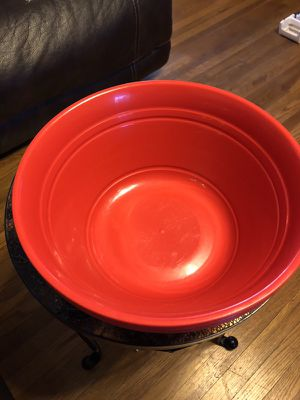 4 large bowls for Sale in Lemon Grove, CA