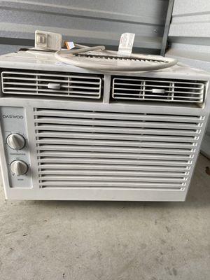 DAEWOO 5,000 BTU Window AC Unit for Sale in Hammonton, NJ