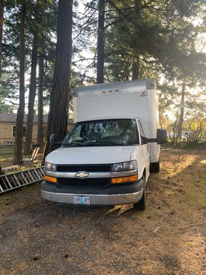 Chevy express box truck 2014 for Sale in Troutdale, OR