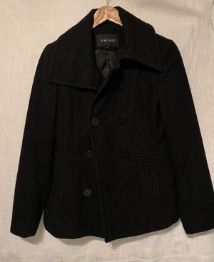 NINE WEST coat size 4 fits like a medium for Sale in Dallas, TX