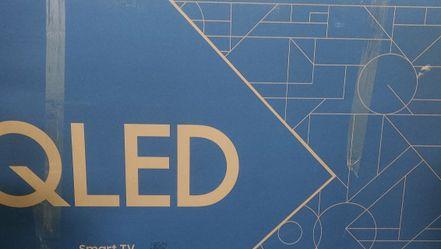 Qled 75 Q60 Samsung 4k Smart Tv 2020 for Sale in Northville,  MI