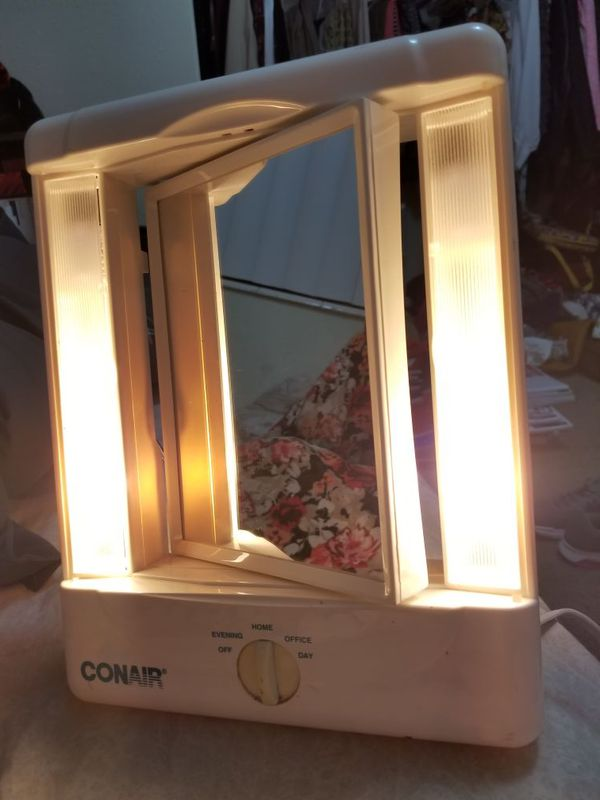 Conair Lighted Makeup Beauty Mirror 4 Settings Double Sided Vanity Magnifying