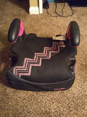 Girls booster seat need gone ASAP for Sale in Lansing, MI