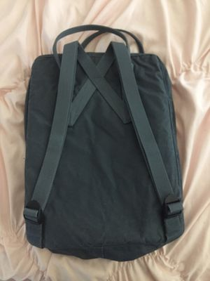 Fjallraven kampen messenger bag for Sale in Adelanto, CA