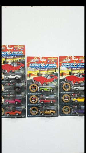 Johnny lightning muscle cars series 3 for Sale in Kissimmee, FL