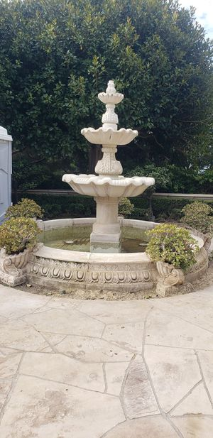 Big fountain for Sale in Riverside, CA
