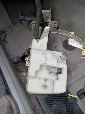 BMW Windshield Container for Sale in Fresno, CA