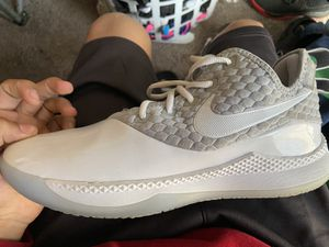 Size 10,5 Nike basketball shoes for Sale in SEATTLE, WA