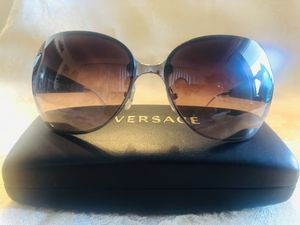 Versace Women's Sunglasses for Sale in Los Angeles, CA