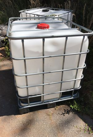 225 gallon water storage container NO LOW BALL OFFERS for Sale in Atlanta, GA