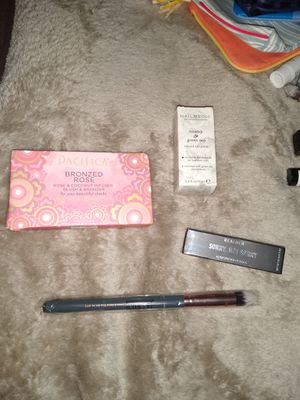 Beauty Bundle for Sale in Victorville, CA
