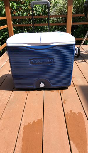 Rubber made cooler with wheels and handle for Sale in Seattle, WA