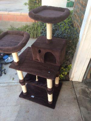 Kinbor cat condo for Sale in Moreno Valley, CA