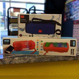 Portable Bluetooth/speakers karaoke for Sale in Tampa, FL