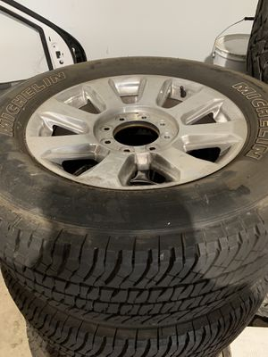 2019 f350 single wheel base stock rims and tires / like new for Sale in Land O' Lakes, FL