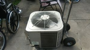 Bryant ac unit. 2 ton for Sale in South Holland, IL