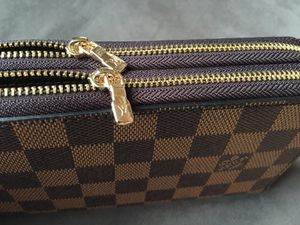 Louis Vuitton brown wallet for Sale in Chicago, IL