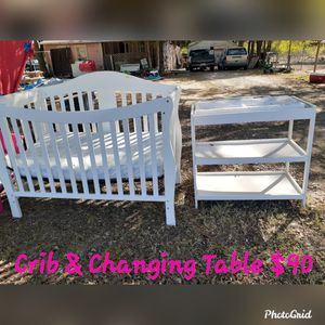 Crib and Changing table for Sale in Lancaster, TX
