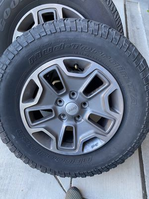 "Jeep Rubicon Wheels 17"" with Tires for Sale in Tracy, CA"