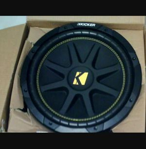 """12"""" kicker sub in vented box with amp for Sale in Bloomingdale, IL"""