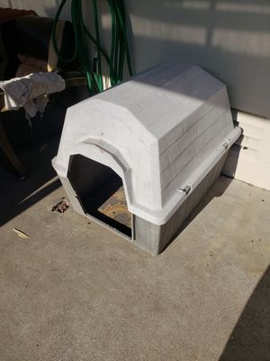 Medium Large Dog House for Sale in San Diego, CA