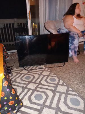 Element 32 inch smart tv for Sale in Lansing, MI
