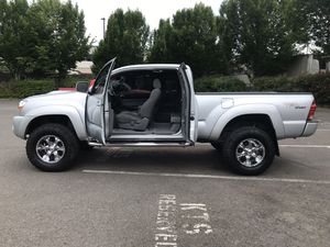 2006 toyota tacoma 4X4WD ( 204k miles ) for Sale in Kent, WA