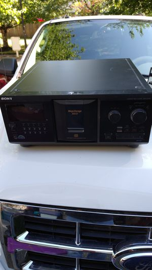 Sony 300 @CD CD Playerplayer. for Sale in Kent, WA