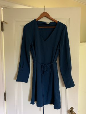 Blue dress (size US 8) for Sale in UPPER ARLNGTN, OH
