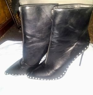 Pick up today!$12 brand new never worn women's size 10 stud bottom heel boots for Sale in Philadelphia, PA