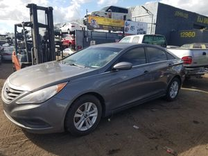 Hyundai sonata for part out 2011 for Sale in Miami, FL