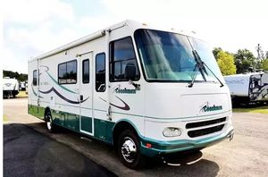 Coachmen Mirada 2OOO Excellent! for Sale in Shawneetown, IL