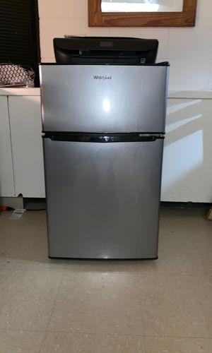 Whirlpool mini fridge for Sale in Brooklyn, NY