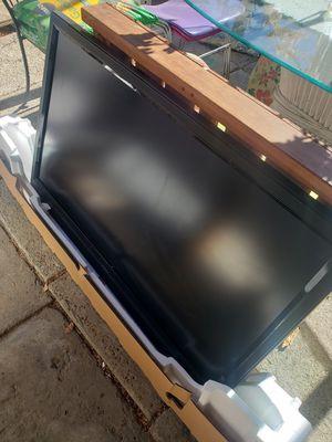 Vizio 43 inch tv for Sale in South Gate, CA