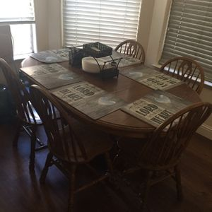 Dining Table With 5 Chairs Oak Wood for Sale in Fresno, CA
