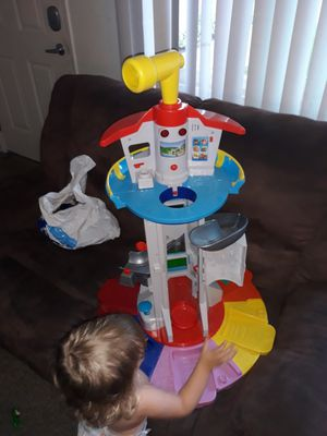 Paw patrol tower and car set for Sale in Long Beach, CA