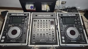 CDJ2000 nexus pair and DJM-900SRT on Ody USA custom boxes. for Sale in Los Angeles, CA