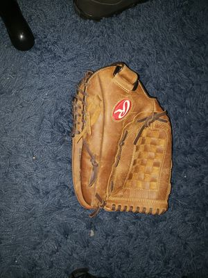Rawlings glove for Sale in Cerritos, CA