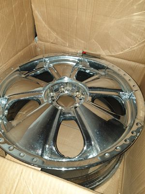 Rims 5 lugs universal I have 3 center cover for Sale in Pawtucket, RI
