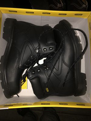 Steel toe work boots only worn once size 7.5 for Sale in Fresno, CA