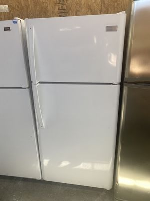 $299 Frigidaire white glossy finish 18 cubic refrigerator 20 15–16 model with delivery in the San Fernando Valley for Sale in Los Angeles, CA