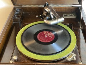 VICTROLA Phonograph for Sale in Washington, DC