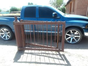05 dodge ram 1500 5.7 for Sale in Chandler, AZ