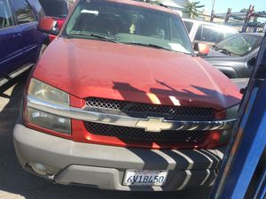 For parts 2003 Chevy avalanche for Sale in Stockton, CA