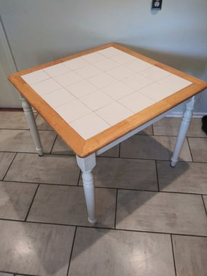 Kitchen table for Sale in Strongsville, OH