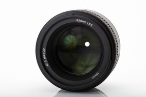 Nikon AF-S 85mm F1.8G   NEW in MINT condition for Sale in Seattle, WA