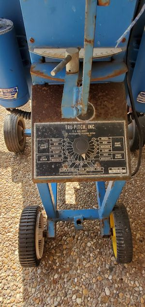 Pitching machine and 55' batting cage for Sale in Pompano Beach, FL
