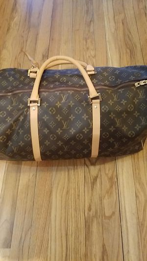 Louis Vuitton Garment Bag,Duffle Bag and wallet set. OBO for Sale in Chicago, IL